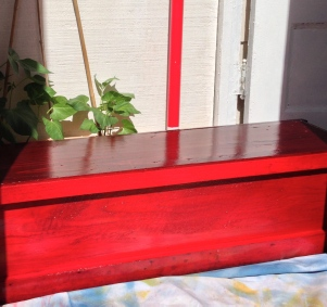 Planter Box in Heartbreak Red